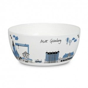 Finally!  Mitt Göteborg now as a bowl in this lovely dove blue color. You will also find trays, a cutting board, a kitchen towel as well, a note book as well as a dish cloth in Mitt Göteborg collection.