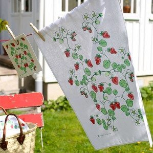 Here is a nice picture of Strawberries kitchen towel and dish cloth. Strawberries collection is produced in Sweden and also consist of a tray as well as a cutting board.