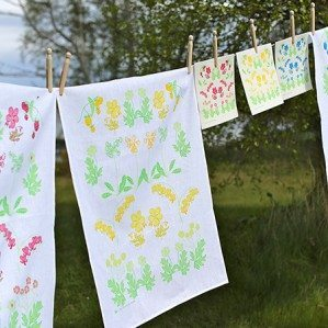 Summer burst kitchen towel and dish cloth comes in three lovely colors: blue, pink and yellow. There is also trays in the Summerburst collection.  All products are produced in Sweden.