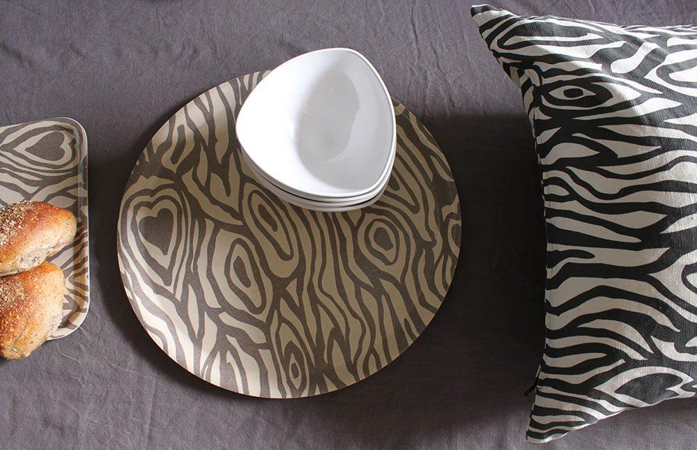 wood_grain_tray_cushion_emelie_ek_design