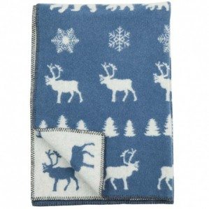 One of my collaborations this autumn is with Klippan Yllefabrik! I have created a children's blanket in wool called Wilderness with reindeer, christmas trees and bear... It comes in three lovely colors ice blue, red and grey. Have a look at http://www.klippanyllefabrik.se for retailers. Off course it is possible to match the blanket with Mountain Village that I created for Klippan last autumn, if you want...