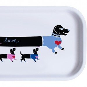 Puppy love coctail tray is one of the news for Molly Collection, which consists of trays in different sizes, a mug, a kitchen towel as well as two different dish cloths. The trays are produced in Sweden by Åry trays from birch trea.