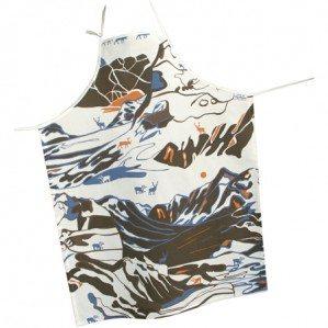 FJÄLL förkläde i brunt, Emelie Ek Design för Frösö Handtryck! Handtryckt mönsterdesign av handteckande Fjäll med renar på tyg samt på produkter såsom kuddar, kassar, förkläden etc.
