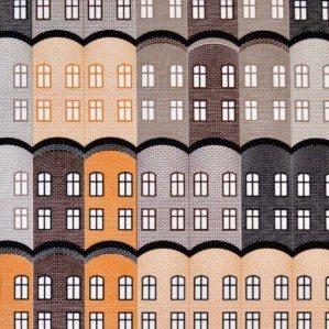 Stad tyg i brunt för Arvidssons Textil. Stad är ett husmönster som är inspirerat av gamla engelska fabriksbyggnader. Stad tyg finns i flera färgställningar och produceras och säljs genom Arvidssons textil. För mer info om inköpsställen se deras hemsida: www.arvidssonstextil.se