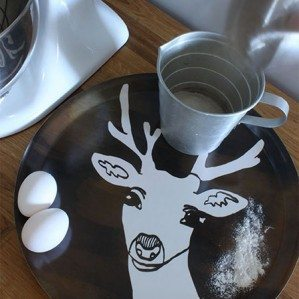 You may have seen my Deer cushion cover and Deer blanket for Klippan Yllefabrik! Here comes Deer as a tray in brown, black and blue. The Deer tray is produced in Sweden out of birch. The perfect tray for autumn, if you ask me... : -)